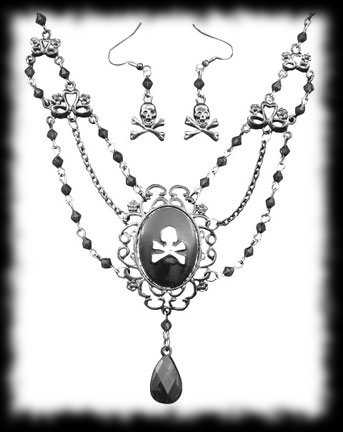 Beautiful Womans Pirate Necklace and Earrings Accessory