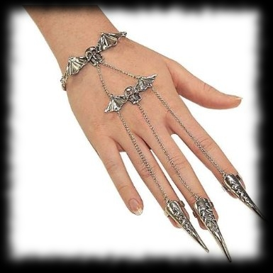 Deluxe Vampire Halloween Costume Accessory Idea Claw Rings and Bracelet